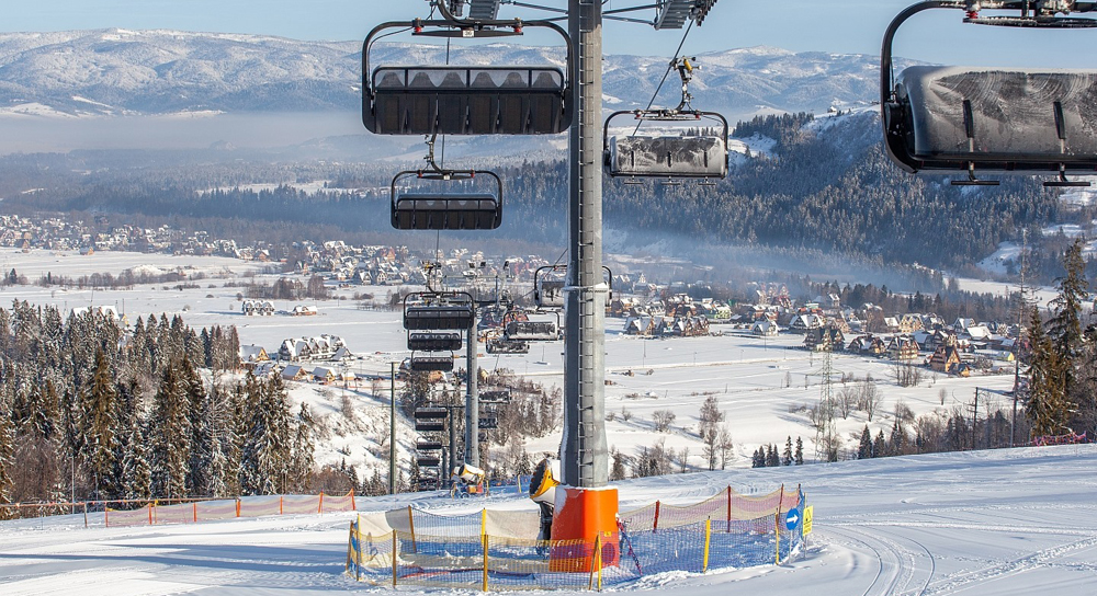 Czy koleje linowe i wyciągi narciarskie mogą działać?