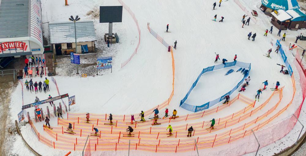 Stoki otwarte, a narciarzy pilnuje policja i sanepid