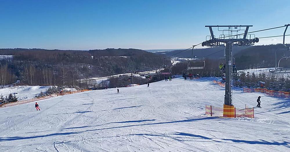 Weekend restartu na stokach narciarskich BEZPIECZNY